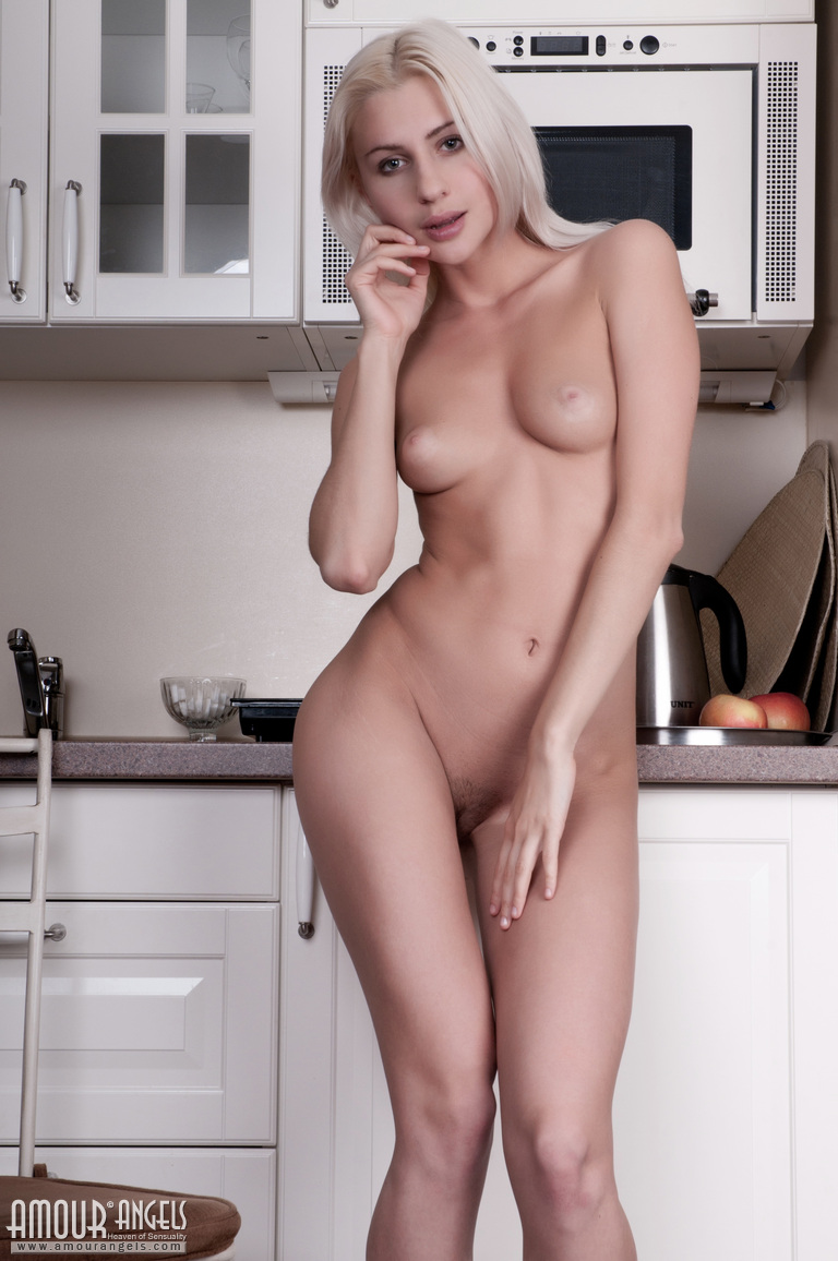 american-nude-babes-deep-throat