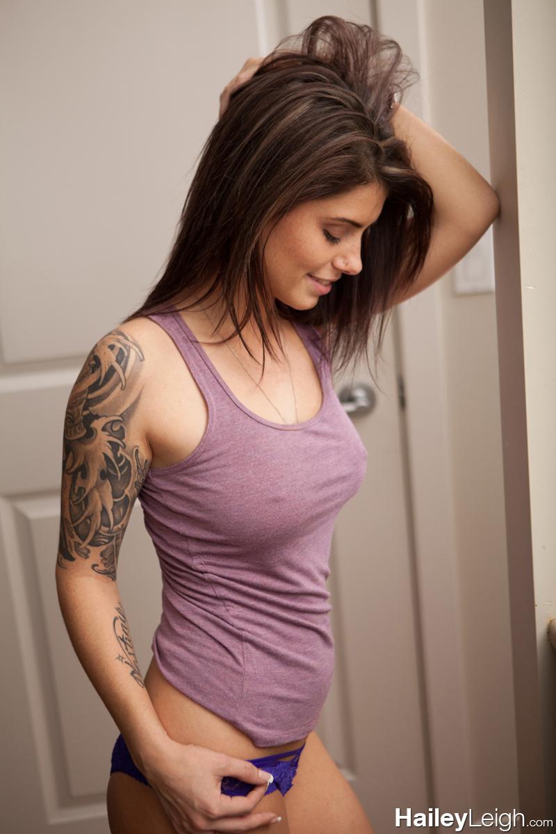 Sexy Tank Top Babes Having Sex Pics