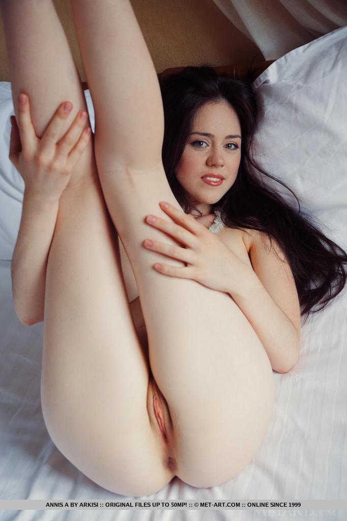 Pornstar glamor pussy photo met art