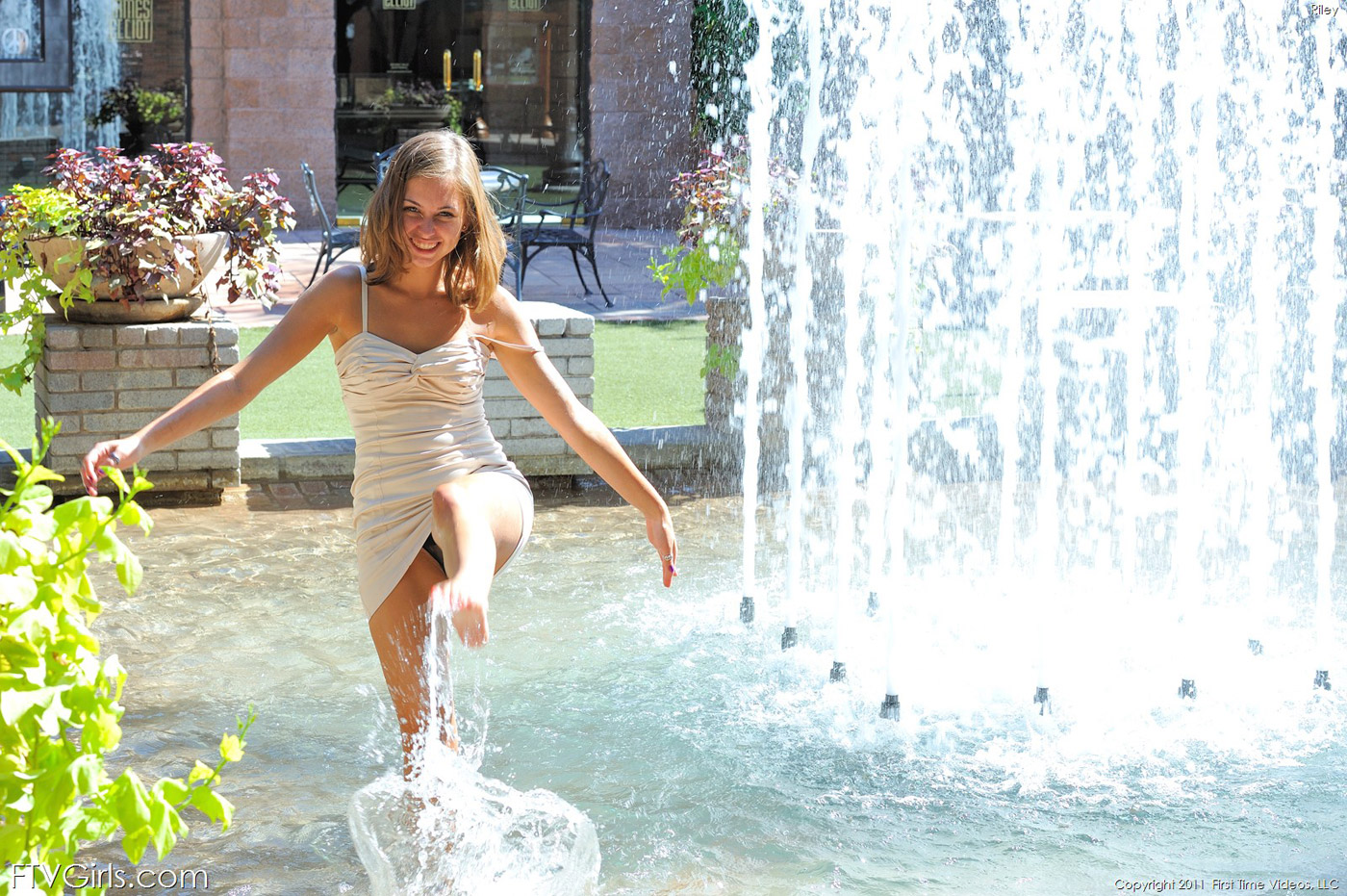 Teen Photos In Fountain Naked